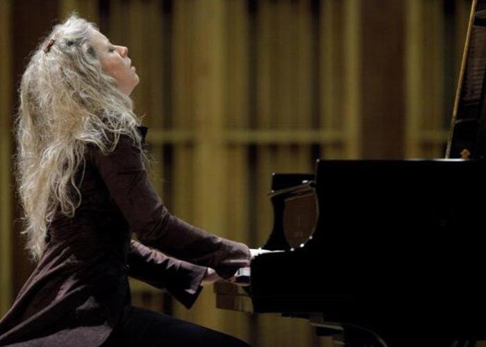 Karolina Marchlewska (Piano)
